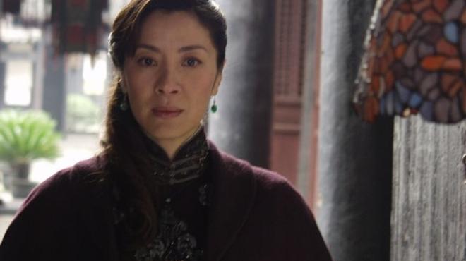 Luc Besson dirige Michelle Yeoh dans un biopic d'Aung San Suu Kyi
