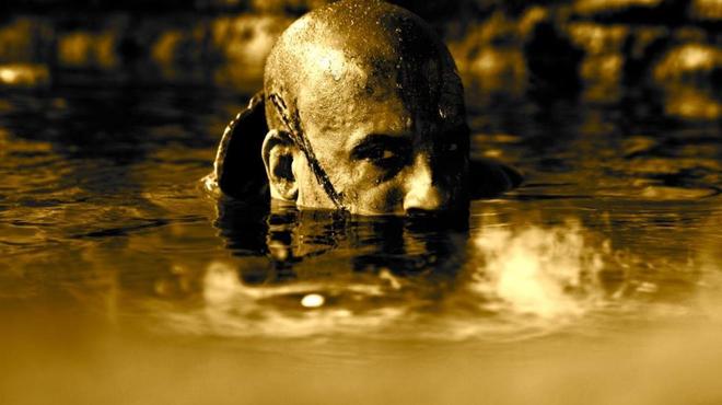Une affiche teaser et des premiers clichés pour Riddick