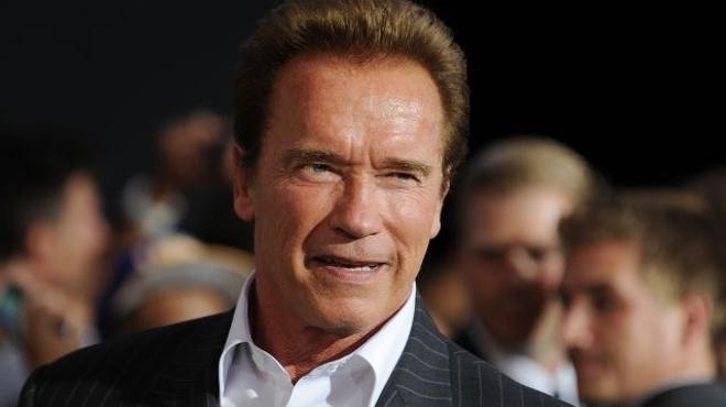 Arnold Schwarzenegger, papa d'une zombie dans Maggie