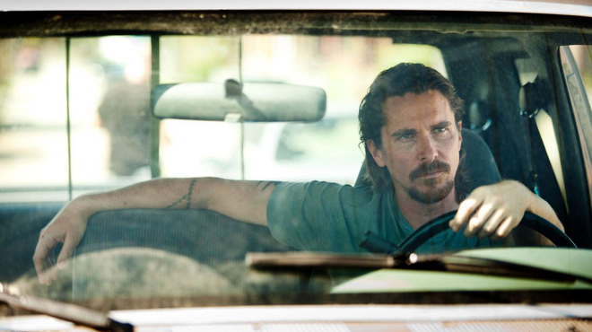 Christian Bale venge son frère dans Out of the Furnace (bande-annonce)