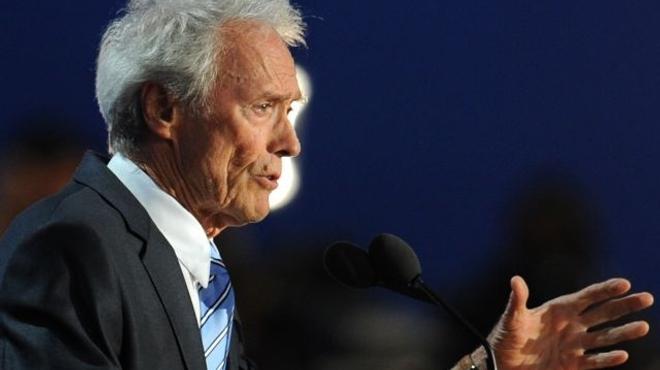 American Sniper : Clint Eastwood approché pour remplacer Steven Spielberg