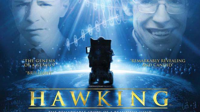 L'astrophysicien Stephen Hawking présente à Cambridge un documentaire sur sa vie