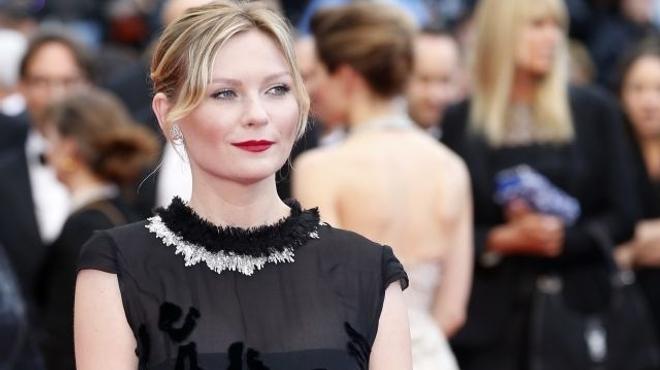 Kirsten Dunst se lâche (encore) avec la réalisatrice de Bachelorette