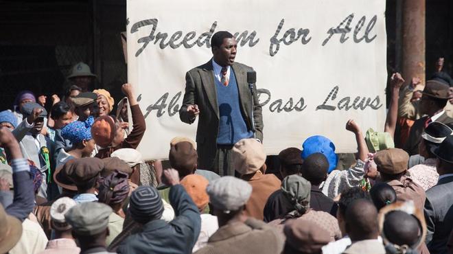 Obama va voir le biopic sur Mandela à la Maison Blanche