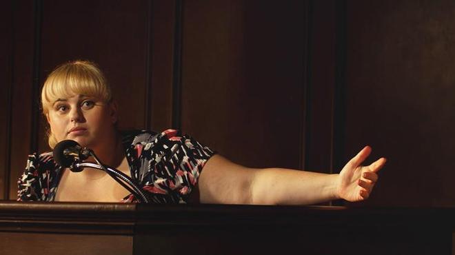 Grimsby : Rebel Wilson rejoint Sacha Baron Cohen