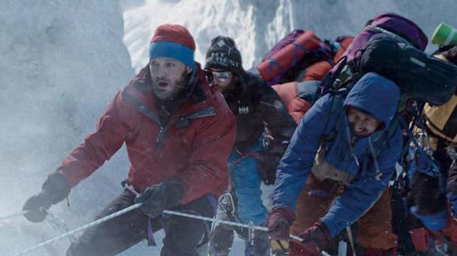 Démarrage : Everest grimpe en tête !