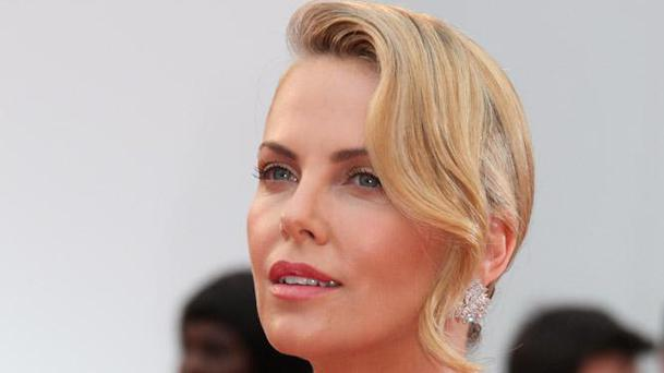 Charlize Theron dans l'adaptation de The Gray Man ?