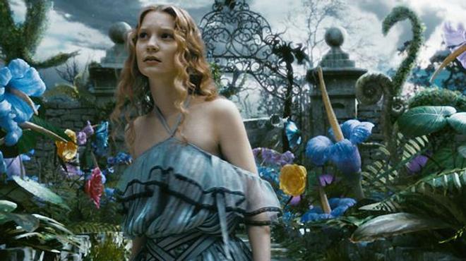 Alice de l'autre côté du miroir : le tout petit teaser renversant !