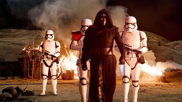 Box-Office US : Star Wars explose les records !