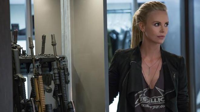 Premier aperçu de Charlize Theron dans Fast & Furious 8