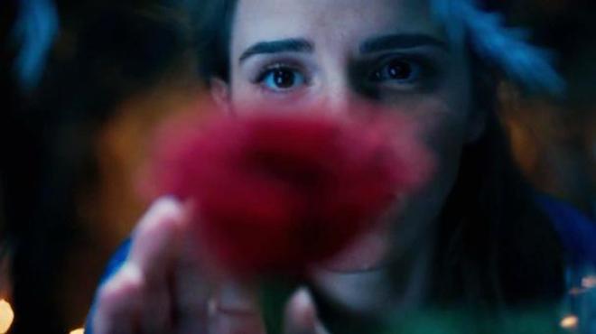La Belle et la Bête : Emma Watson illumine le premier teaser