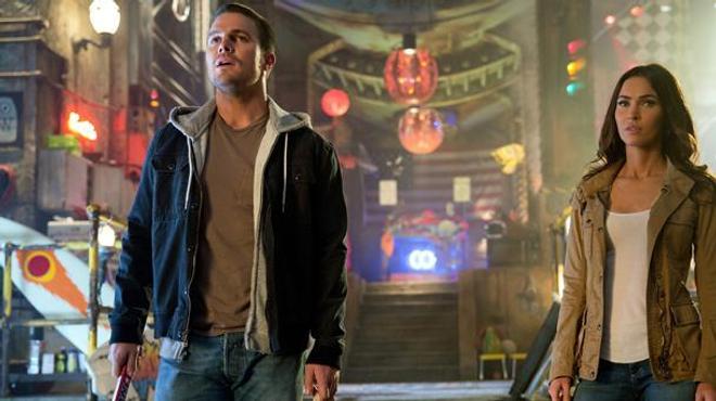 Ninja Turtles 2 : Stephen Amell au secours de Megan Fox (extrait)