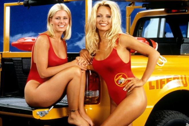 Alerte à Malibu: Une incroyable «guerre mammaire» entre deux actrices révélée!