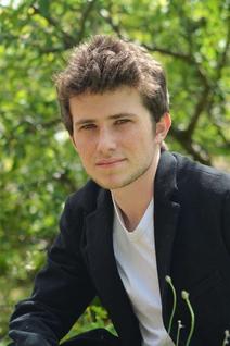 Victor Ezenfis