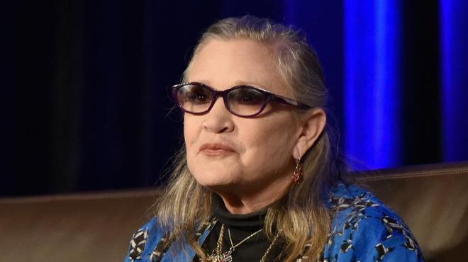 """Star Wars : Victime d'une attaque cardiaque, Carrie Fisher est dans """"un état stable"""""""