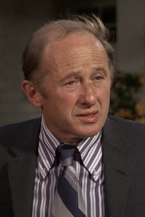 Milton Selzer
