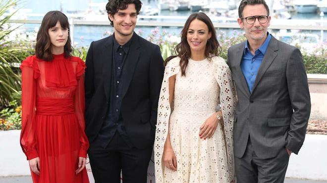 Cannes 2017 : Michel Hazanavicius et l'équipe du Redoutable enflamment la Croisette