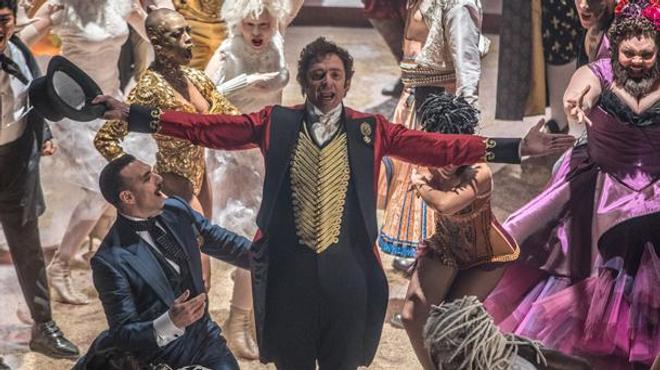 Hugh Jackman  est The Greatest Showman dans le premier trailer