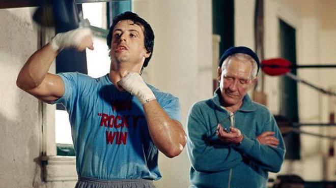 Sylvester Stallone rend hommage au réalisateur de Rocky