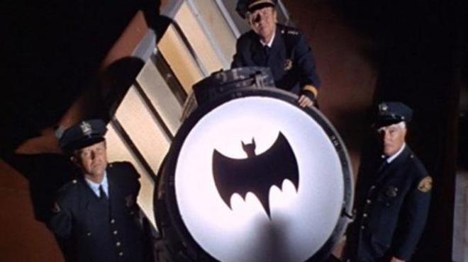 Le Bat Signal sera projeté ce soir à L.A. en hommage à Adam West