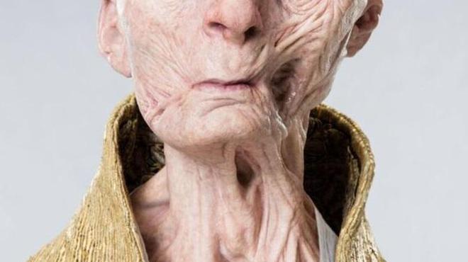 Star Wars 8 : le Supreme Leader Snoke à visage découvert sur une première photo