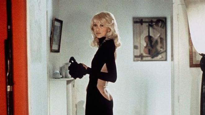 Mireille Darc, la grande blonde s'en est allée