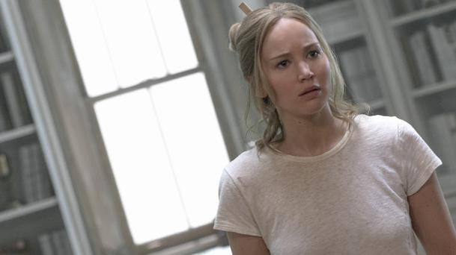 Jennifer Lawrence avoue être désagréable en public et elle dit pourquoi