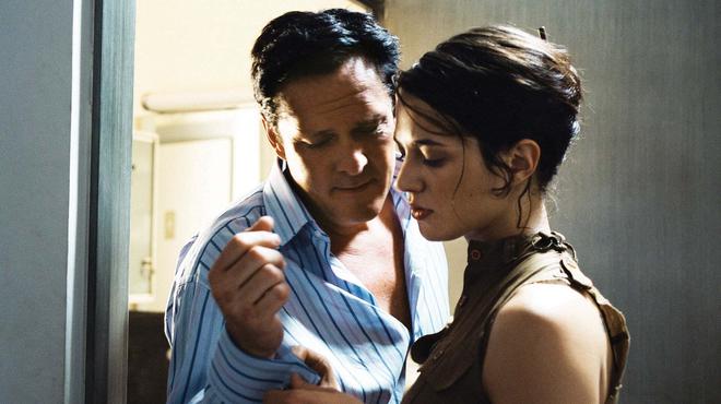 Asia Argento piégée dans le prochain Olivier Assayas