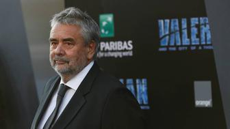 Plainte pour viol contre Luc Besson, qui dénonce des