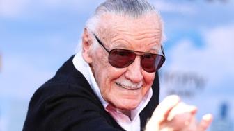 À 95 ans, Stan Lee créateur des Avengers, intente un procès à une ancienne société
