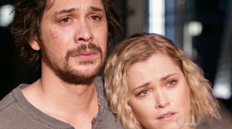 On stream The 100 saison 5 : adieux à la Terre dans l'épisode final