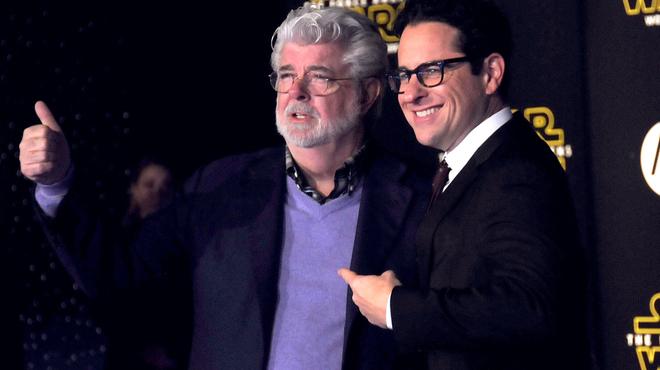 Star Wars 9: J.J. Abrams a discuté avec George Lucas avant d'écrire le scénario