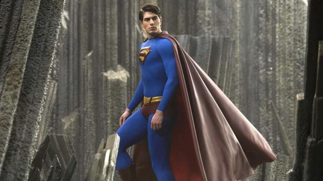 Arrowverse : Brandon Routh reprend le rôle de Superman dans le crossover