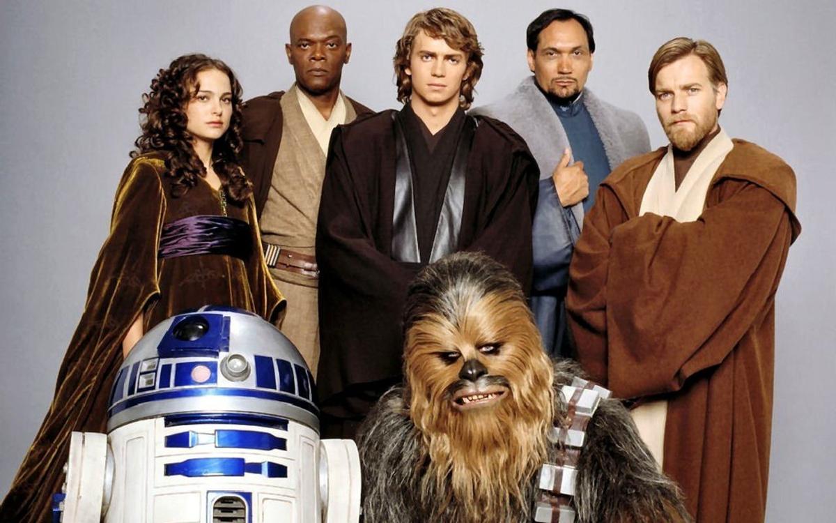 Padmé Amidala, Mace Windu, Anakin Skywalker, Bail Organa, Obi-Wan Kenobi, R2-D2 et Chewbacca (Star Wars Episode 3)