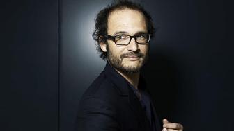 Le réalisateur Thomas Lilti (Hippocrate) reprend du service pour lutter contre l'épidémie