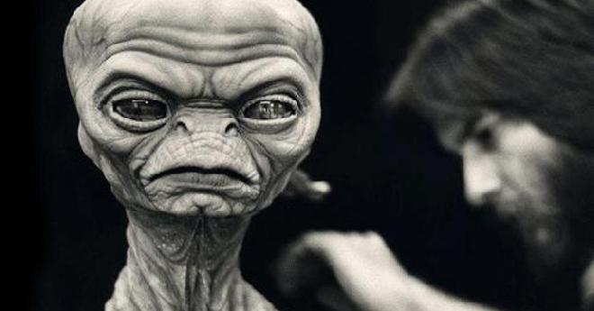 E.T. L'Extraterrestre : à l'origine le scénario était un film d'horreur