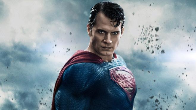 Superman : Henry Cavill en discussion pour revenir dans le costume