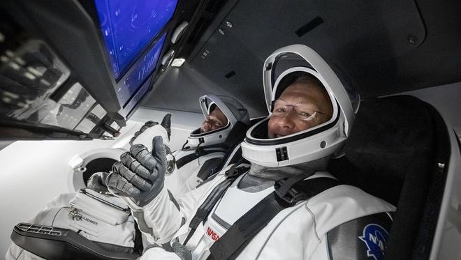 Le créateur des costumes de Batman V Superman a confectionné les combinaisons des astronautes de Space X