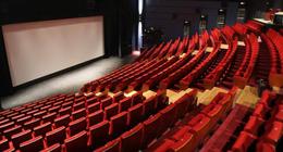 Les cinémas californiens referment leurs portes, la sortie de Tenet compromise ?