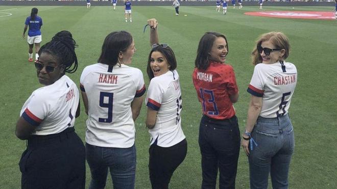Natalie Portman, Jessica Chastain, Eva Longoria et d'autres stars lancent leur équipe de foot
