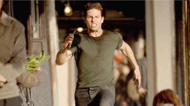 Tom Cruise prend la course à pied dans ses films très au sérieux