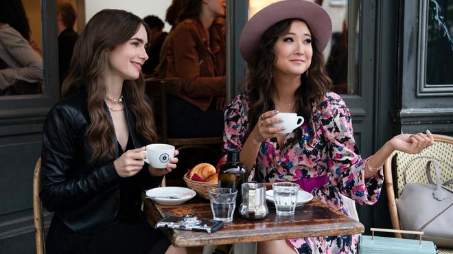 Emily in Paris sur Netflix : avez-vous remarqué les clins d'oeil à Sex and the City ?