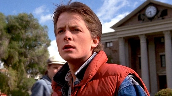 Michael J. Fox est de retour dans la peau de Marty McFly pour un clip