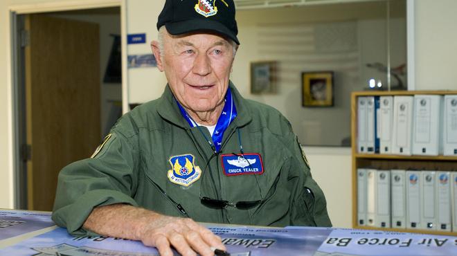 """Chuck Yeager, pilote star de """"L'Étoffe des héros"""", est mort"""