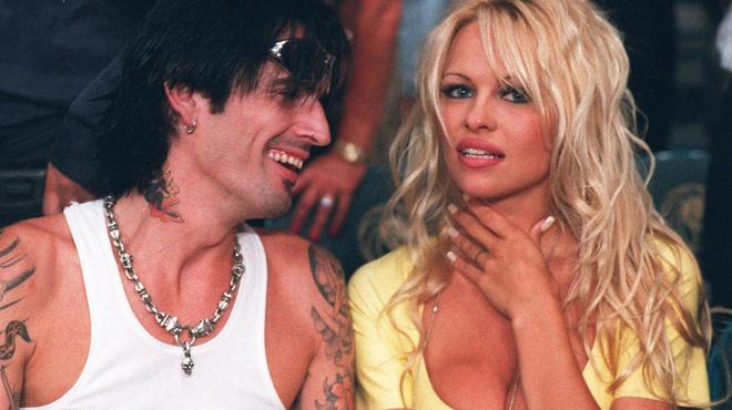 Lily James et Sebastian Stan seront Pamela Anderson et Tommy Lee pour une série