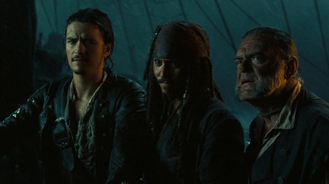 Pirates des Caraïbes 6 : un acteur majeur de la saga défend Johnny Depp et veut son retour