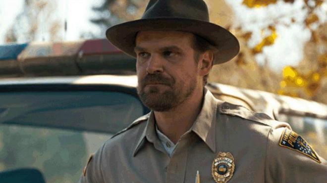 Stranger Things saison 4 : David Harbour tease le retour de son personnage