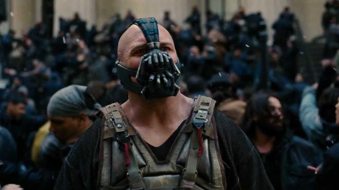 The Dark Knight Rises : Christopher Nolan revient sur la prestation hallucinante de Tom Hardy