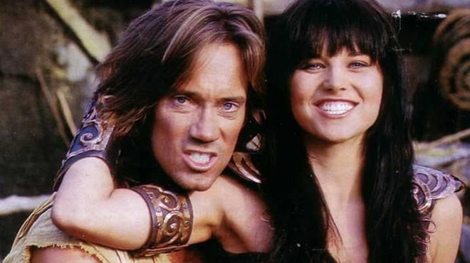 Lucy Lawless (Xena) tacle violemment Kevin Sorbo (Hercule) sur Twitter
