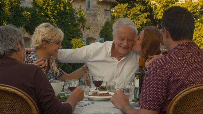 Adopte un veuf : André Dussollier voulait revenir dans un rôle comique